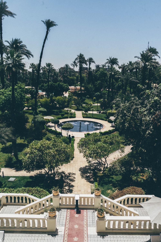 Jardin du White Palace à Luxor